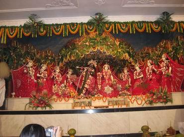 Radha Madhava and astasakhis