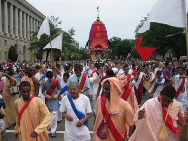 huge crowds on both sides saw the rathayatra
