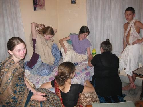 Tara and friends visit