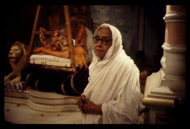 Pisima on November 15 1977, the morning after Srila Prabhupada's disappearance in Vrindavana