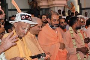Kavicandra Swami, Radhanatha Swami, Bodhayana Swami